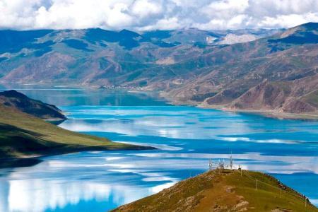 Yamdrok Tso Turquoise Lake Trek